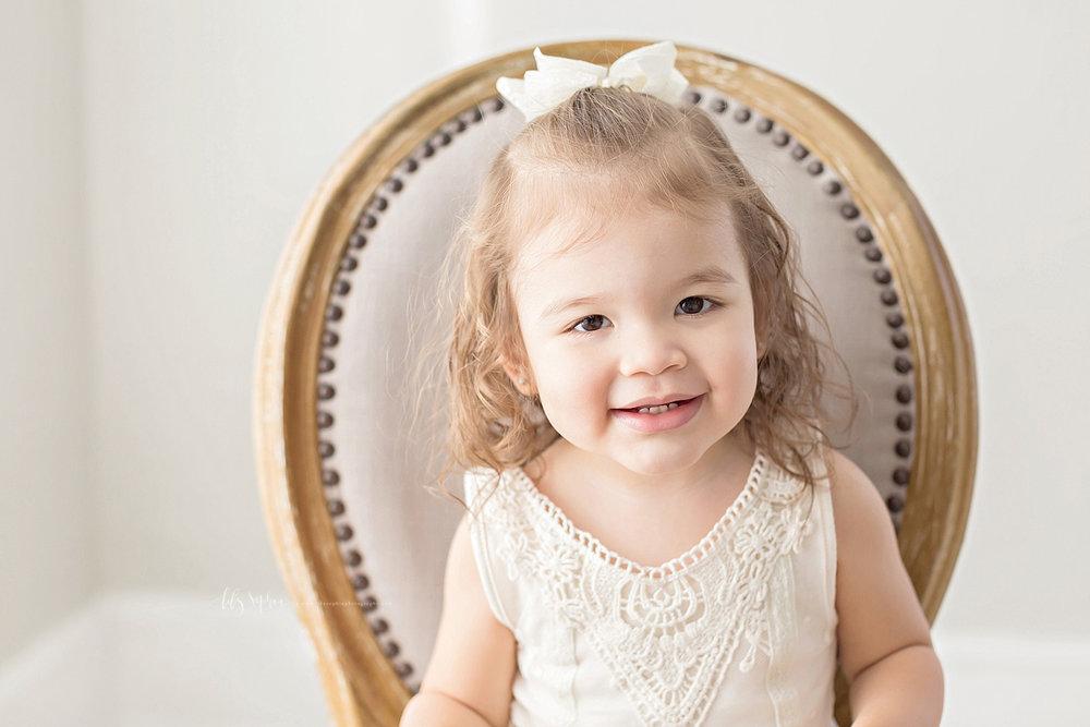 atlanta-georgia-natural-light-studio-newborn-baby-girl-maternity-sister_2682.jpg