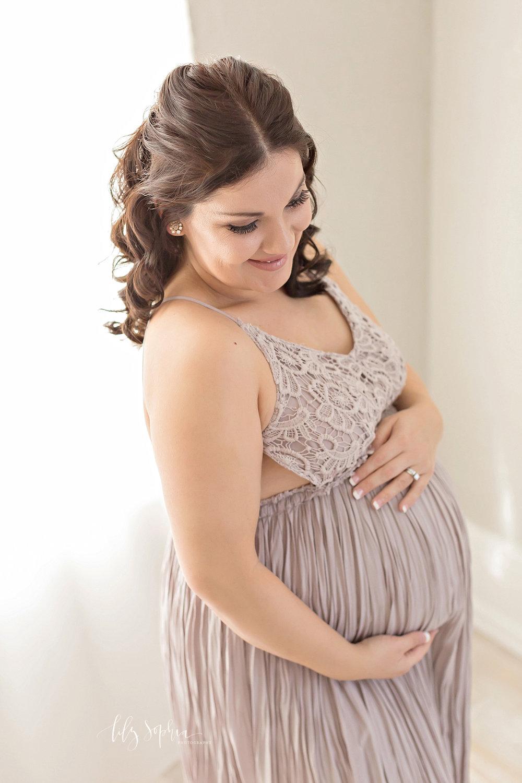 atlanta-georgia-natural-light-studio-newborn-baby-girl-maternity-sister_2686.jpg