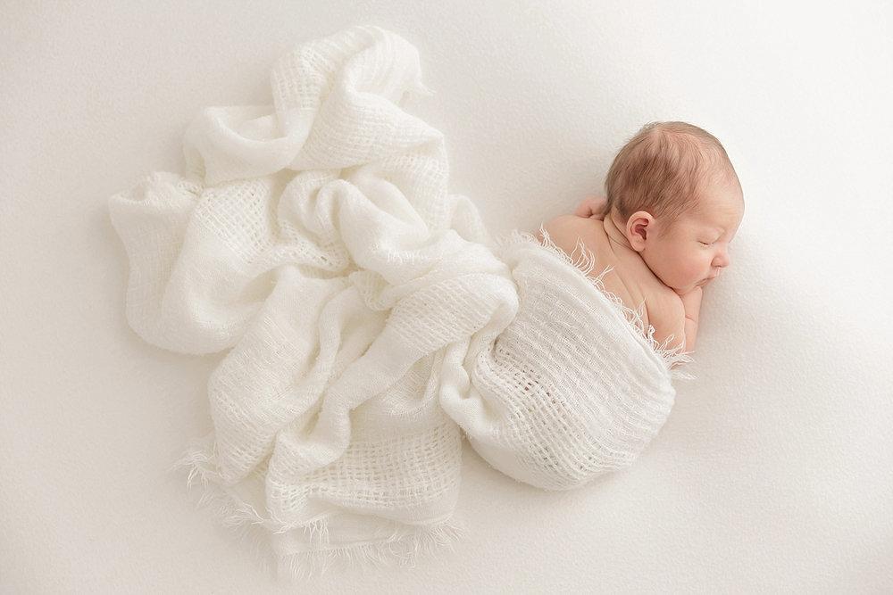 atlanta-georgia-natural-light-studio-newborn-baby-boy-family_2654.jpg