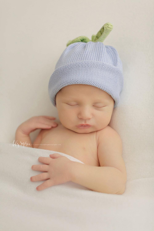 atlanta-georgia-natural-light-studio-newborn-baby-boy-family-brothers_2627.jpg