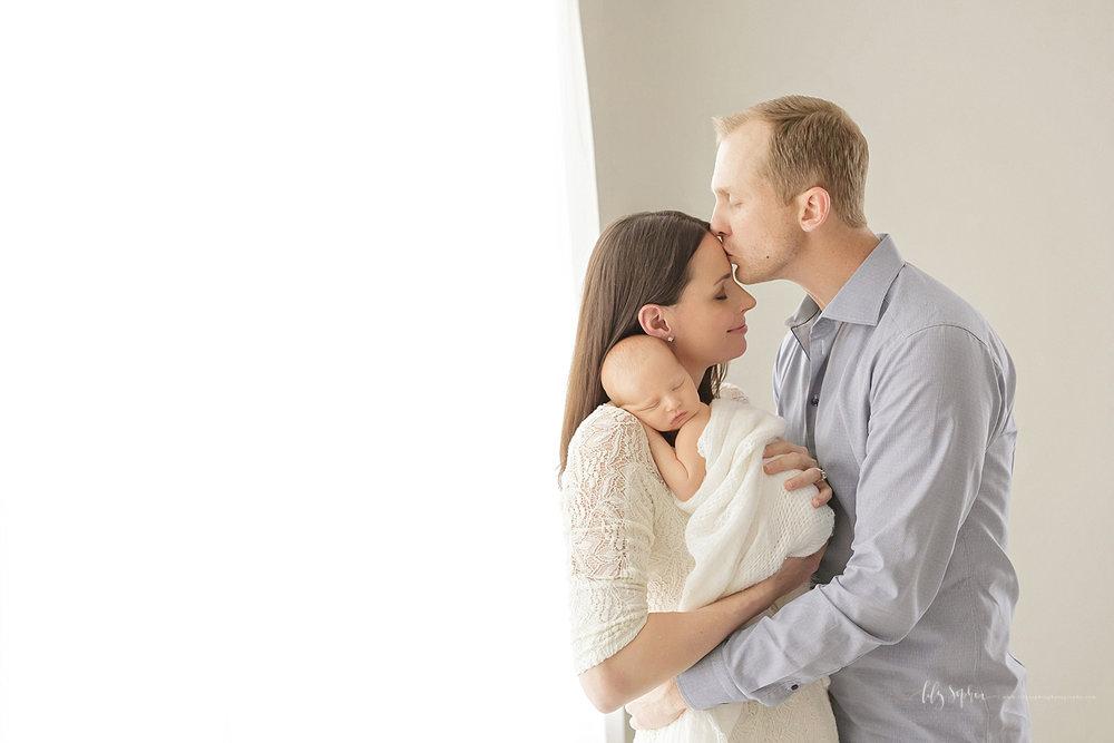 atlanta-georgia-natural-light-studio-newborn-baby-boy-family-brothers_2644.jpg