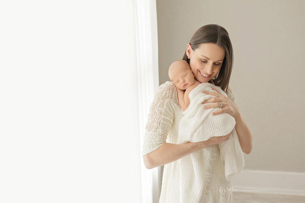 atlanta-georgia-natural-light-studio-newborn-baby-boy-family-brothers_2645.jpg