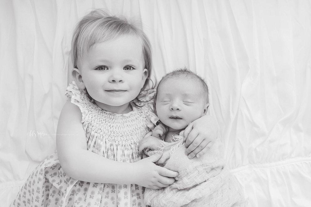 atlanta-georgia-natural-light-studio-intown--big-sister-newborn-baby-boy-family_2764.jpg