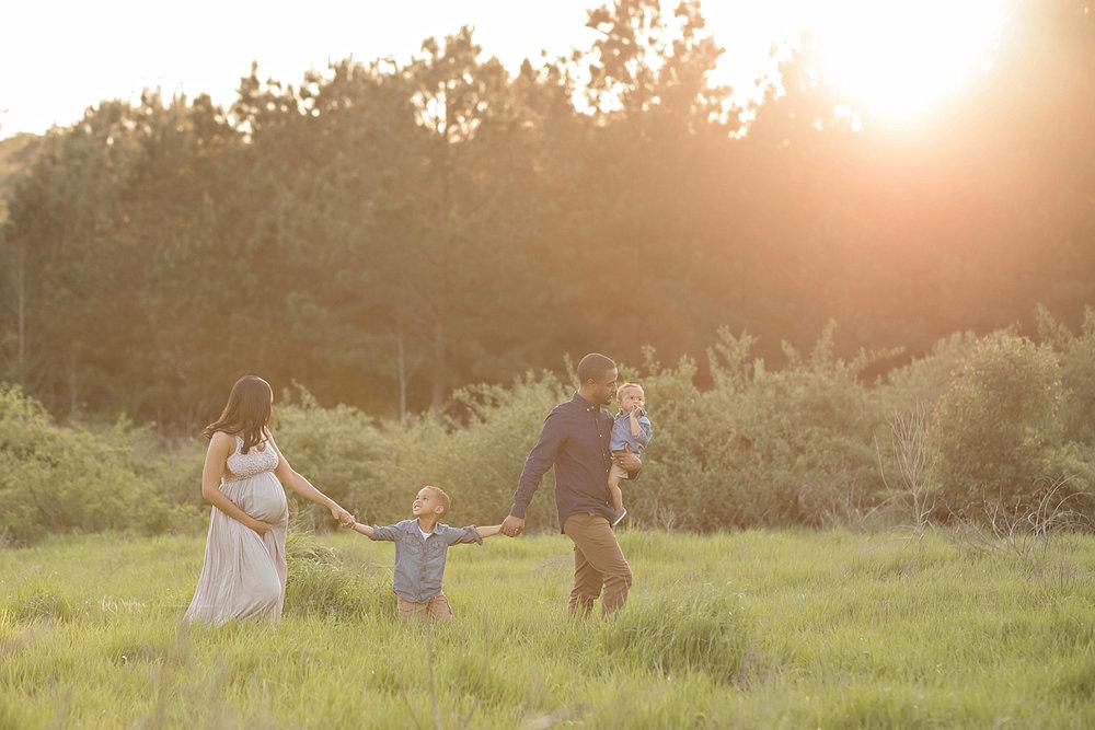 atlanta-georgia-natural-light-studio-intown-field-sunset-big-brothers-expecting-baby-girl-african-american-family_2741.jpg