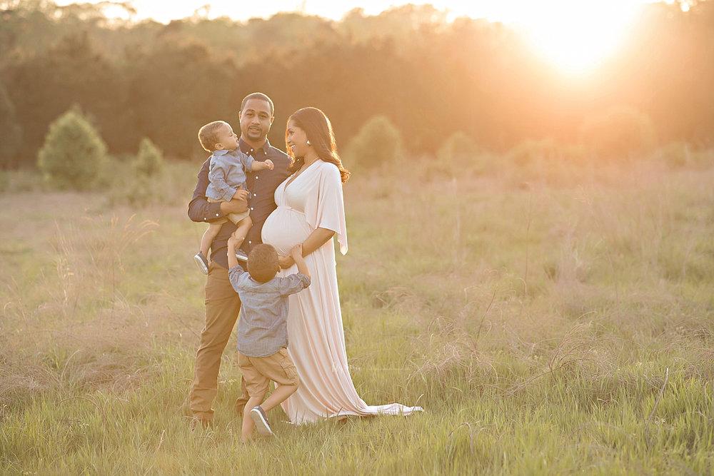 atlanta-georgia-natural-light-studio-intown-field-sunset-big-brothers-expecting-baby-girl-african-american-family_2748.jpg