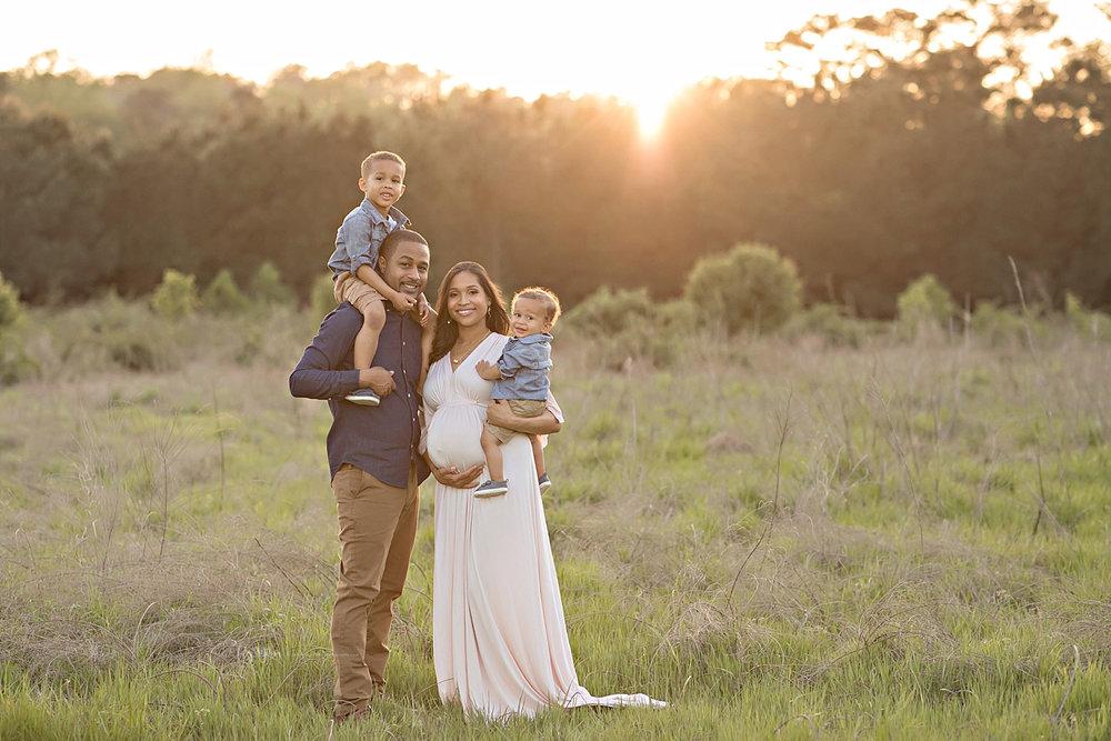 atlanta-georgia-natural-light-studio-intown-field-sunset-big-brothers-expecting-baby-girl-african-american-family_2750.jpg