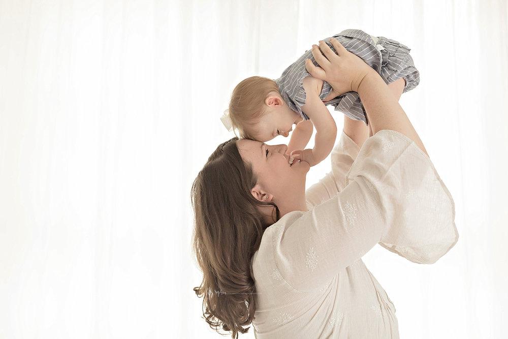 atlanta-georgia-natural-light-studio-intown-motherhood-mommy-and-me-toddler-girl-mother-daughters-family_2818.jpg