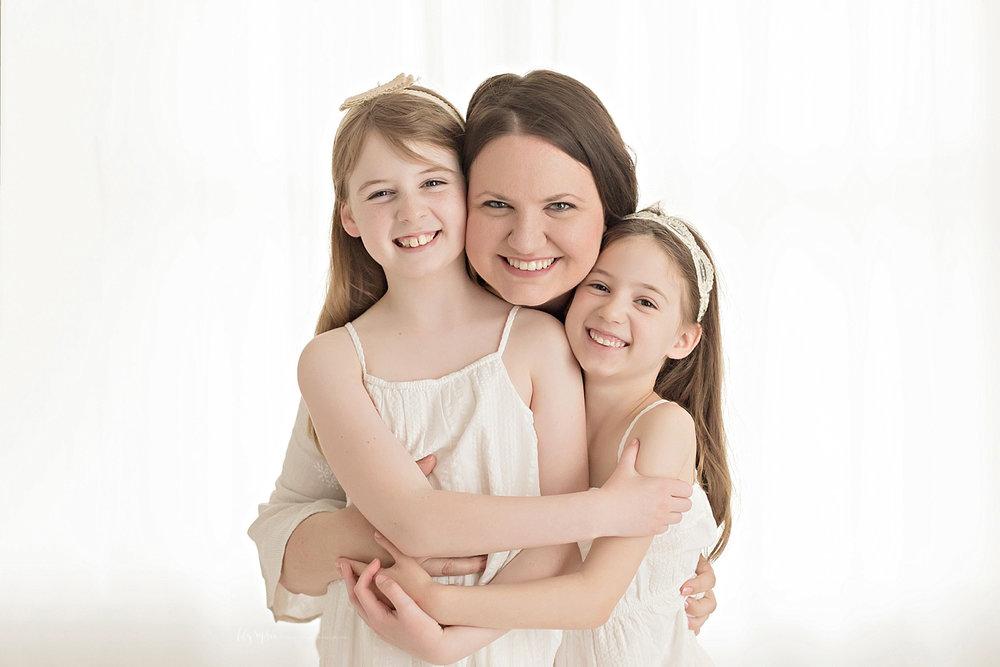 atlanta-georgia-natural-light-studio-intown-motherhood-mommy-and-me-toddler-girl-mother-daughters-family_2819.jpg