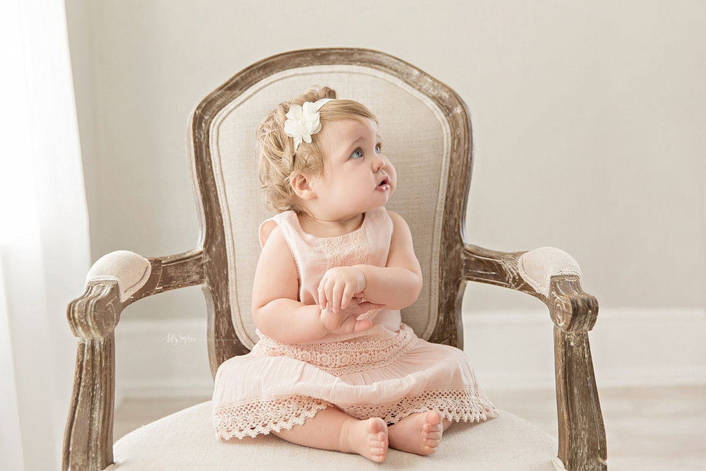 atlanta-georgia-natural-light-studio-intown-first-birthday-powder-springs-baby-girl-one-year-old-family-session-smash-cake_3082.jpg