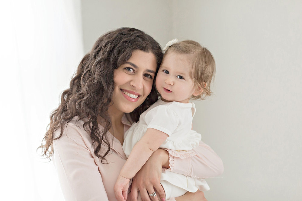 atlanta-georgia-natural-light-studio-intown-first-birthday-baby-girl-family-session_3381.jpg