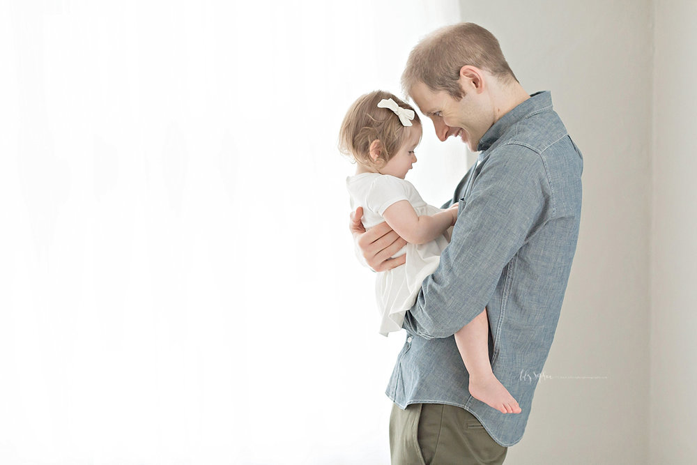 atlanta-georgia-natural-light-studio-intown-first-birthday-baby-girl-family-session_3383.jpg