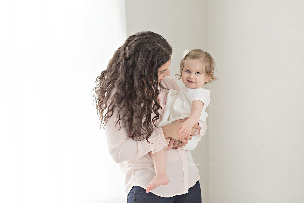 atlanta-georgia-natural-light-studio-intown-first-birthday-baby-girl-family-session_3384.jpg