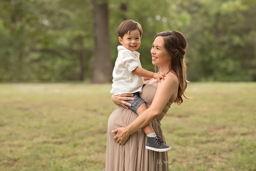 atlanta-buckhead-alpharetta-brookhaven-lily-sophia-photography-baby-family-maternity-photographer-sunset-outdoor-grant-park-intown-pregnant_0103.jpg