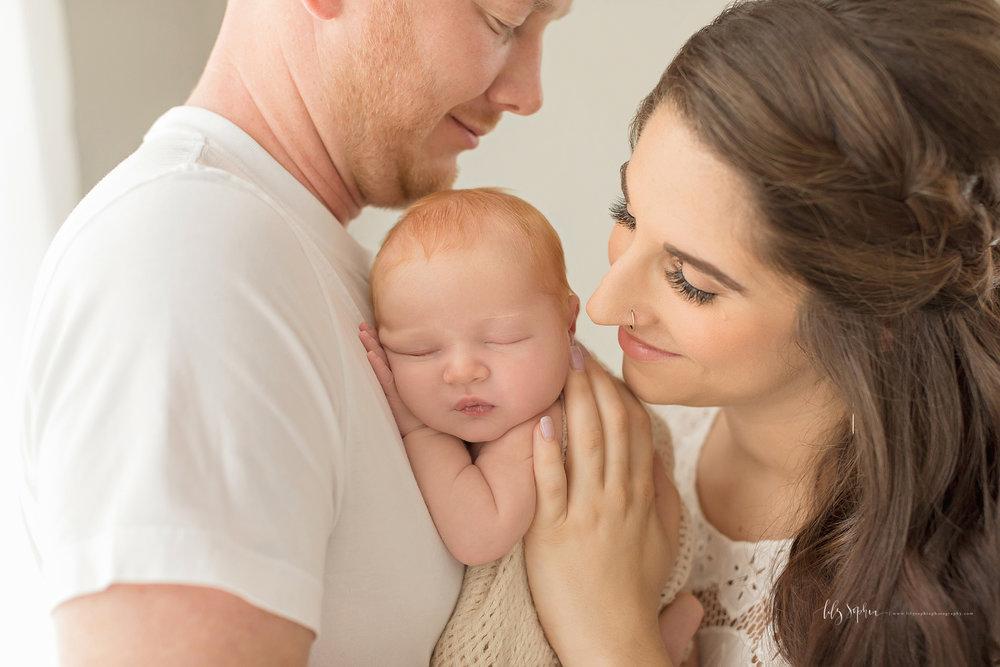 atlanta-buckhead-brookhaven-decatur-lily-sophia-photography--photographer-portraits-grant-park-intown-newborn-baby-boy-redhead_0054.jpg