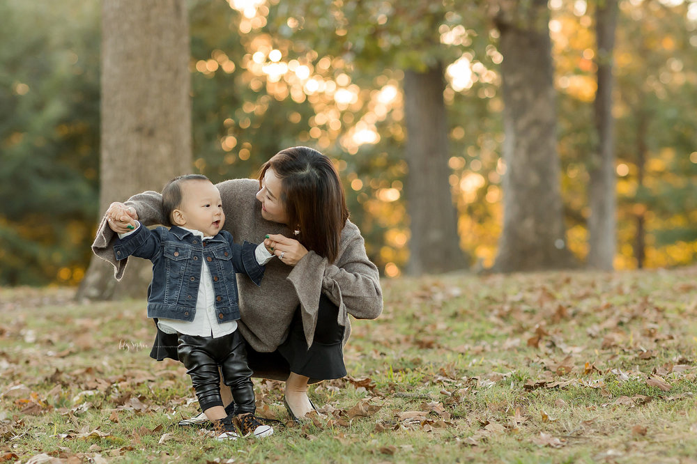 atlanta-buckhead-brookhaven-decatur-lily-sophia-photography--photographer-portraits-grant-park-intown-park-sunset-first-birthday-cake-smash-one-year-old-outdoors-cool-asian-american-family_0087.jpg