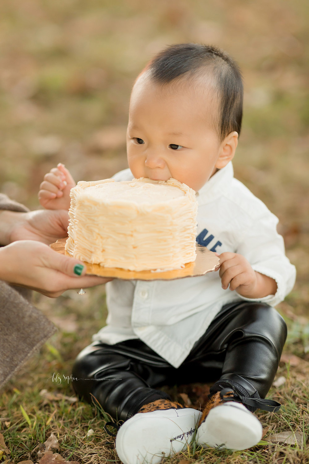 atlanta-buckhead-brookhaven-decatur-lily-sophia-photography--photographer-portraits-grant-park-intown-park-sunset-first-birthday-cake-smash-one-year-old-outdoors-cool-asian-american-family_0094.jpg