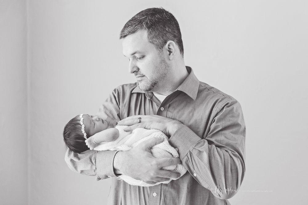 atlanta-buckhead-brookhaven-decatur-lily-sophia-photography-photographer-portraits-grant-park-intown-marietta-family-newborn-baby-girl-grandmother-black-and-white-photos-4.jpg