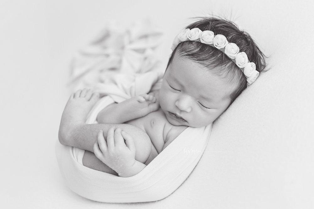 atlanta-buckhead-brookhaven-decatur-lily-sophia-photography-photographer-portraits-grant-park-intown-marietta-family-newborn-baby-girl-grandmother-black-and-white-photos-26.jpg