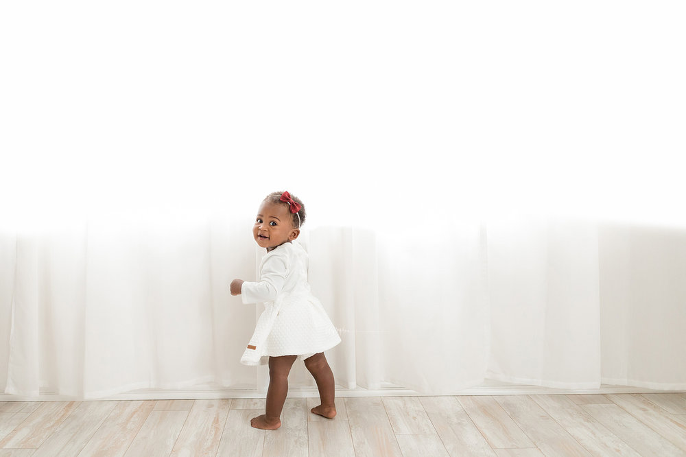 atlanta-smyrna-brookhaven-decatur-lily-sophia-photography-photographer-portraits-grant-park-intown-first-birthday-cake-smash-one-year-old-toddler-baby-girl_0008.jpg