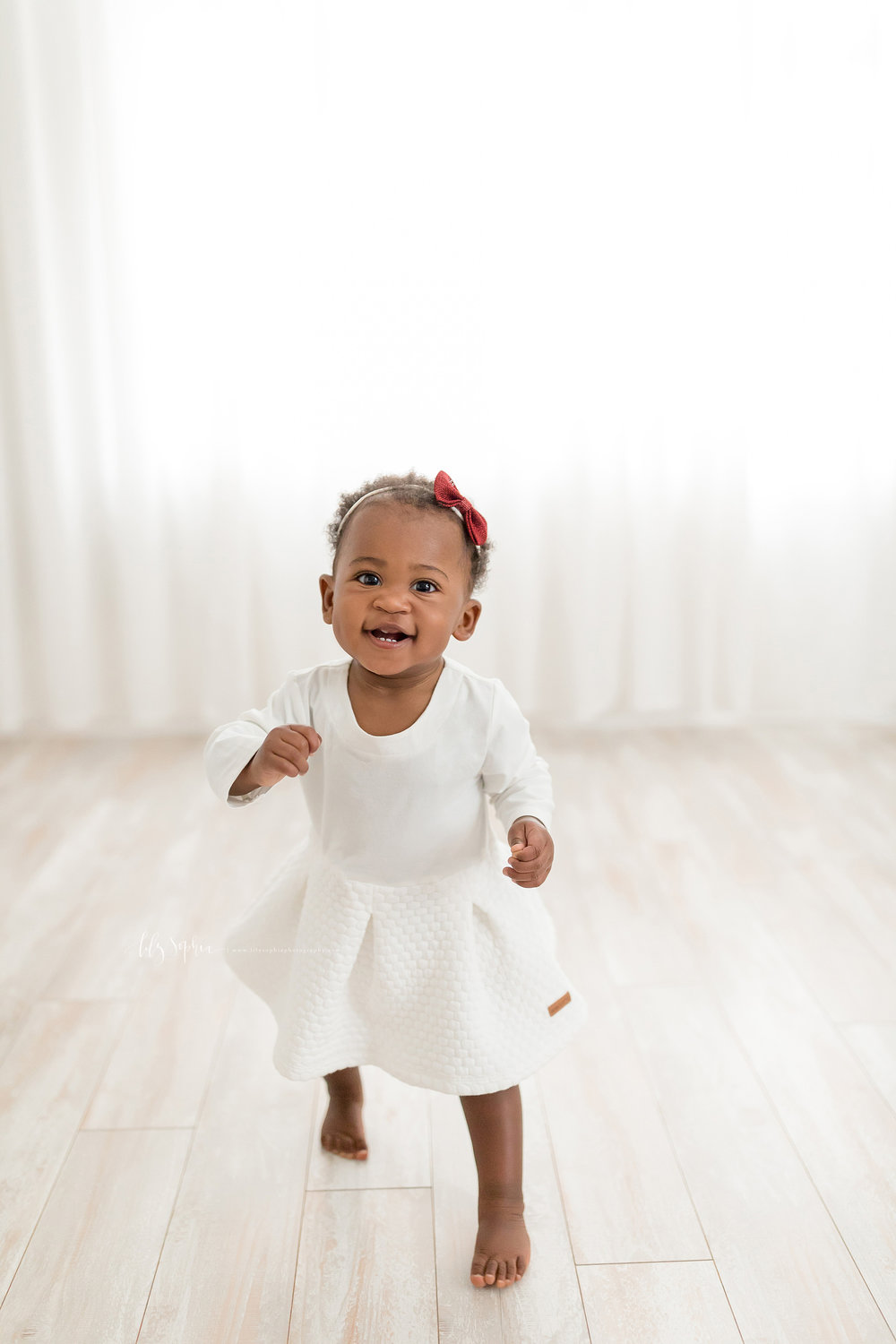 atlanta-smyrna-brookhaven-decatur-lily-sophia-photography-photographer-portraits-grant-park-intown-first-birthday-cake-smash-one-year-old-toddler-baby-girl_0010.jpg