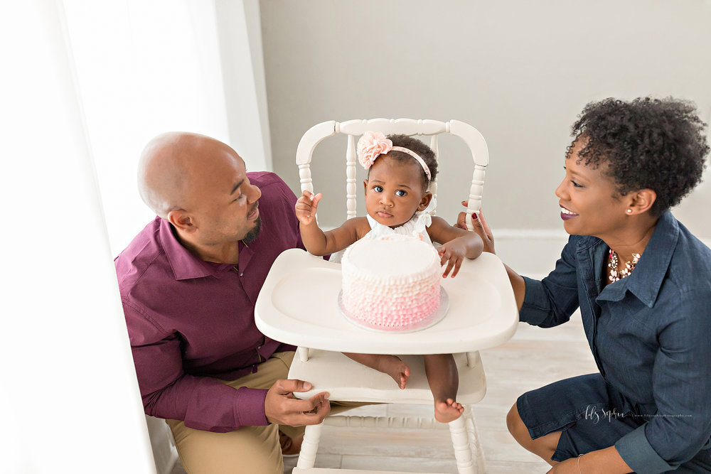 atlanta-smyrna-brookhaven-decatur-lily-sophia-photography-photographer-portraits-grant-park-intown-first-birthday-cake-smash-one-year-old-toddler-baby-girl_0018.jpg