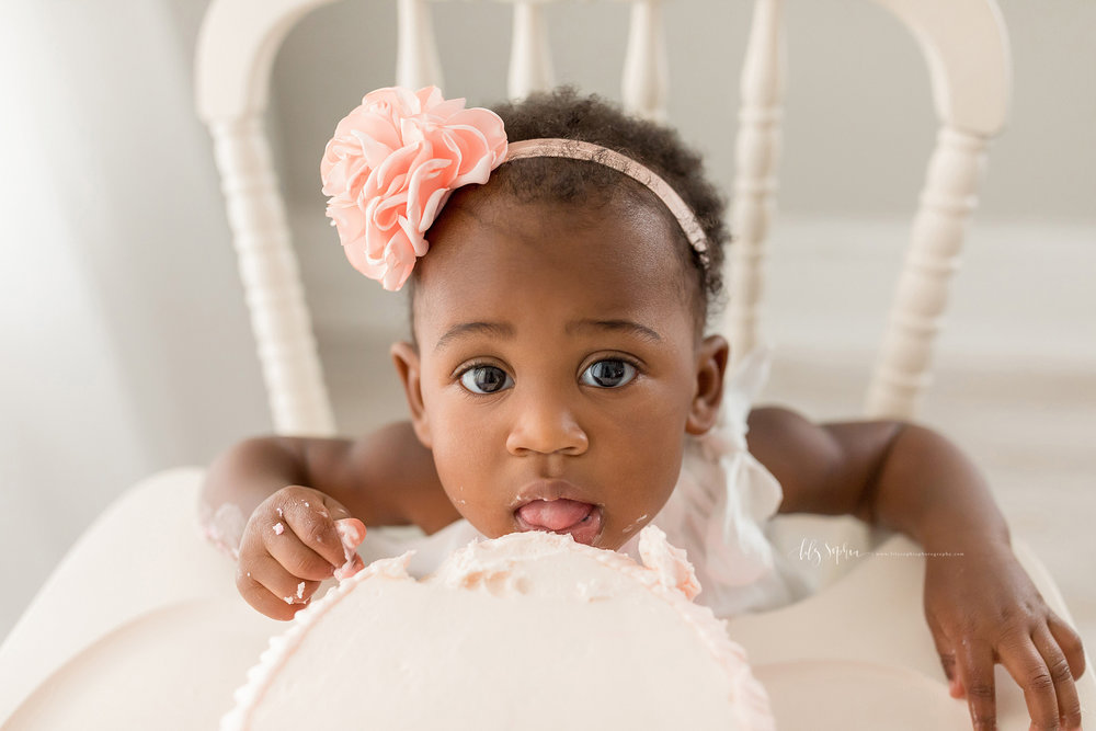 atlanta-smyrna-brookhaven-decatur-lily-sophia-photography-photographer-portraits-grant-park-intown-first-birthday-cake-smash-one-year-old-toddler-baby-girl_0020.jpg