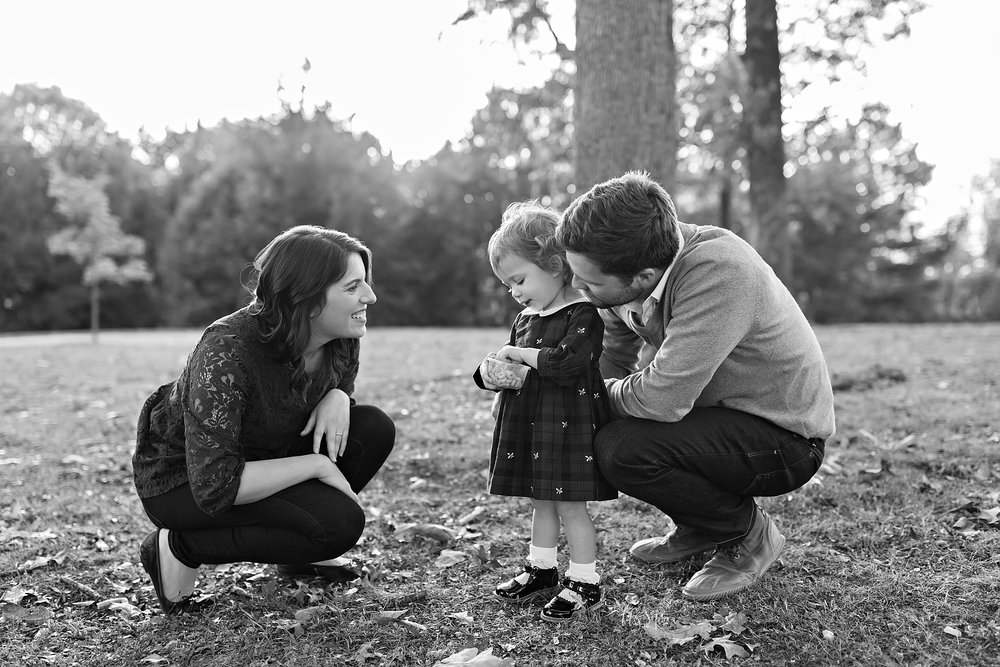 atlanta-buckhead-brookhaven-decatur-lily-sophia-photography-photographer-portraits-grant-park-intown-outdoor-family-sunset-session-toddler-baby-girl_0002.jpg
