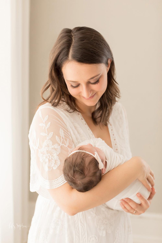atlanta-buckhead-brookhaven-decatur-lily-sophia-photography-photographer-portraits-grant-park-intown-kirkwood-family-newborn-baby-girl-family-11.jpg