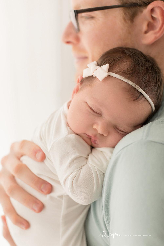 atlanta-buckhead-brookhaven-decatur-lily-sophia-photography-photographer-portraits-grant-park-intown-kirkwood-family-newborn-baby-girl-family-12.jpg