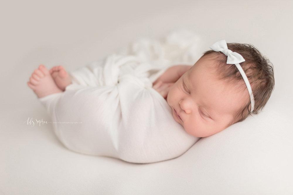 atlanta-buckhead-brookhaven-decatur-lily-sophia-photography-photographer-portraits-grant-park-intown-kirkwood-family-newborn-baby-girl-family-19.jpg