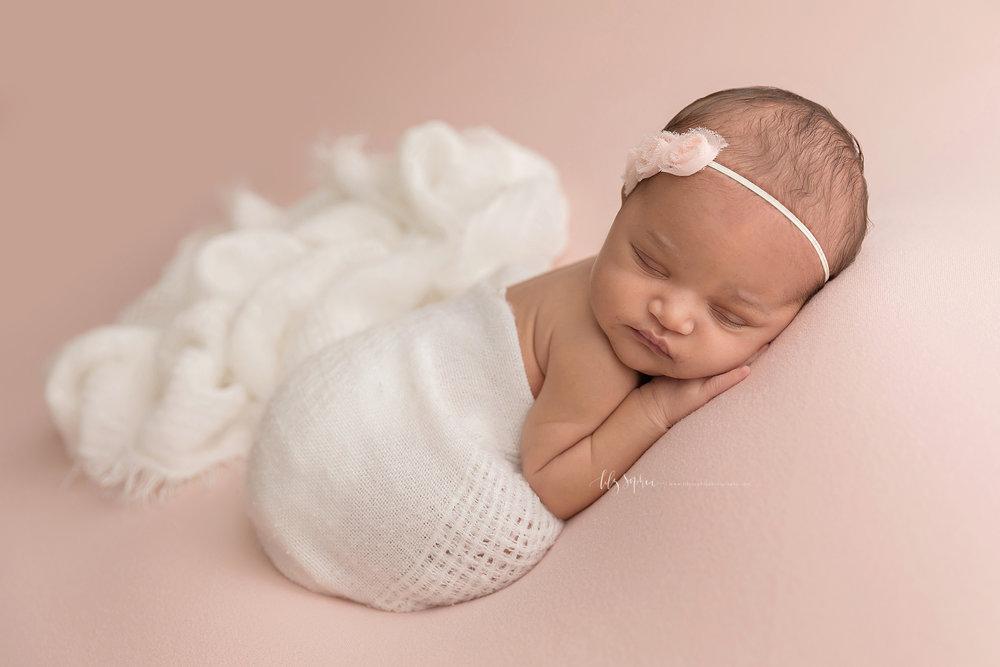 atlanta-midtown-brookhaven-decatur-lily-sophia-photography-photographer-portraits-grant-park-family-studio-newborn-baby-girl-big-brothers_0093.jpg