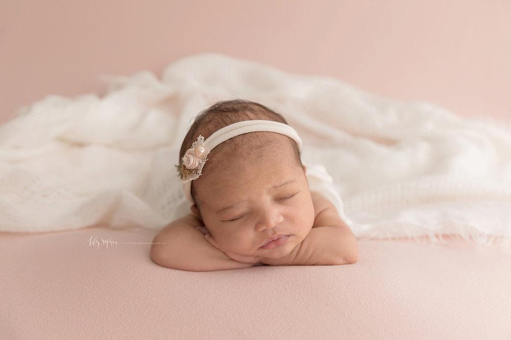 atlanta-midtown-brookhaven-decatur-lily-sophia-photography-photographer-portraits-grant-park-family-studio-newborn-baby-girl-big-brothers_0097.jpg