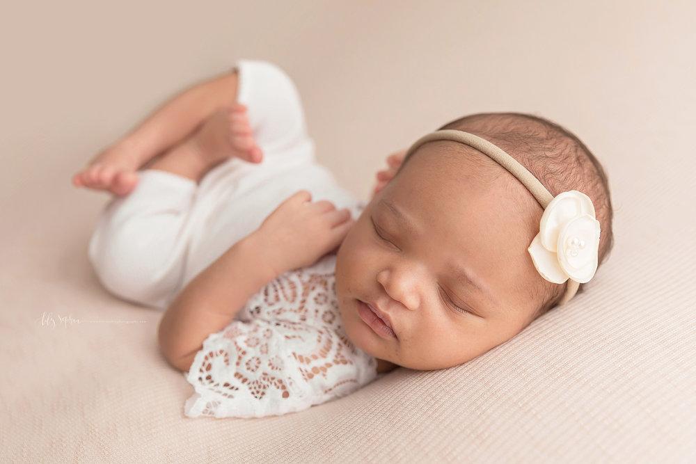 atlanta-midtown-brookhaven-decatur-lily-sophia-photography-photographer-portraits-grant-park-family-studio-newborn-baby-girl-big-brothers_0140.jpg