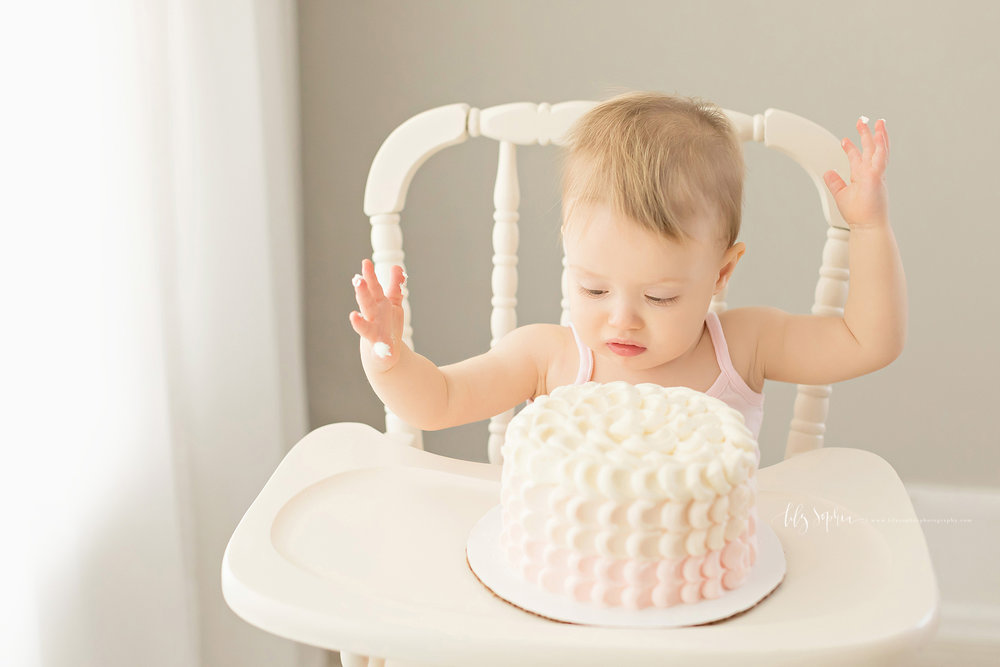 atlanta-midtown-sandy-springs-decatur-lily-sophia-photography-photographer-first-birthday-cake-smash-baby-girl_0209.jpg