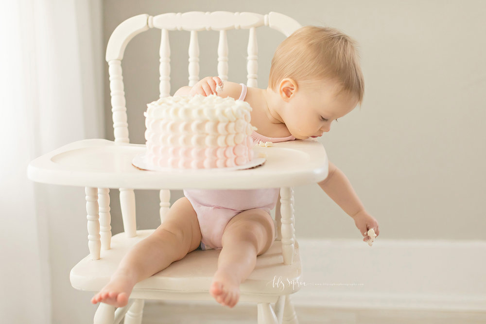 atlanta-midtown-sandy-springs-decatur-lily-sophia-photography-photographer-first-birthday-cake-smash-baby-girl_0212.jpg