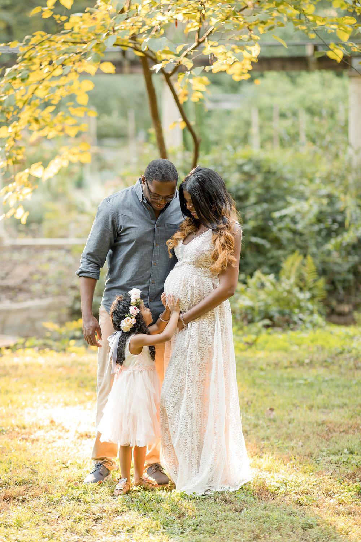 atlanta-midtown-lawrenceville-decatur-lily-sophia-photography-family-photographer-natural-light-garden-maternity-family-photos-big-sister_0262.jpg