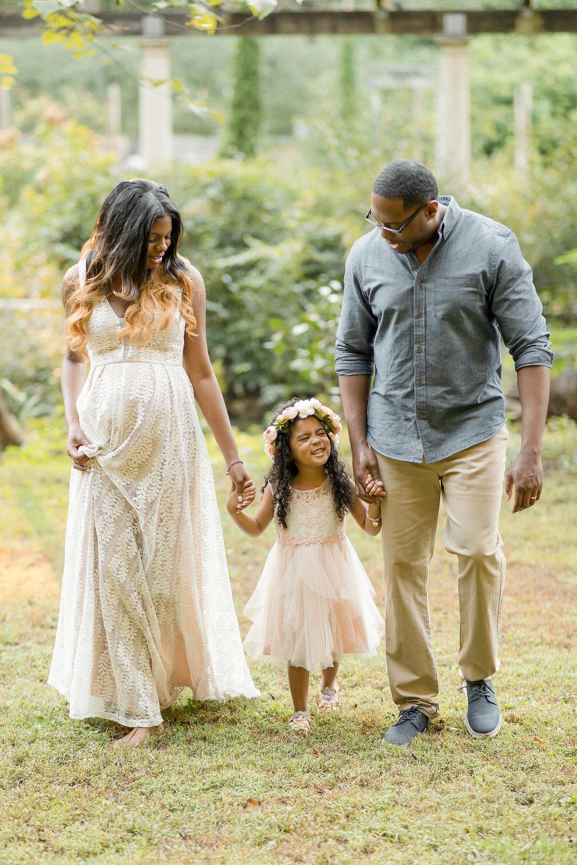 atlanta-midtown-lawrenceville-decatur-lily-sophia-photography-family-photographer-natural-light-garden-maternity-family-photos-big-sister_0266.jpg