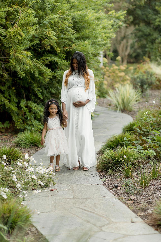 atlanta-midtown-lawrenceville-decatur-lily-sophia-photography-family-photographer-natural-light-garden-maternity-family-photos-big-sister_0274.jpg