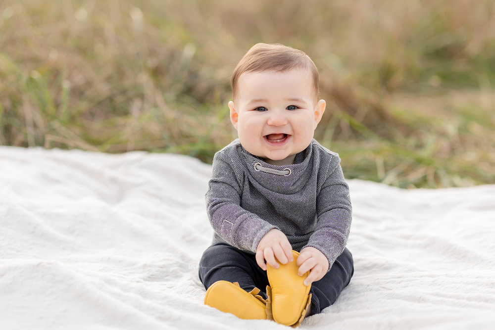 atlanta-midtown-west-end-decatur-lily-sophia-photography-family-photographer-eight-month-baby-boy-sunset-outdoor-field-family-photos_0340.jpg