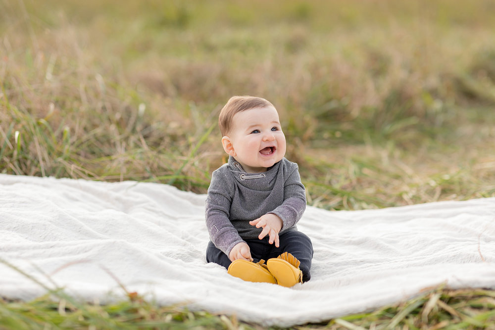 atlanta-midtown-west-end-decatur-lily-sophia-photography-family-photographer-eight-month-baby-boy-sunset-outdoor-field-family-photos_0341.jpg