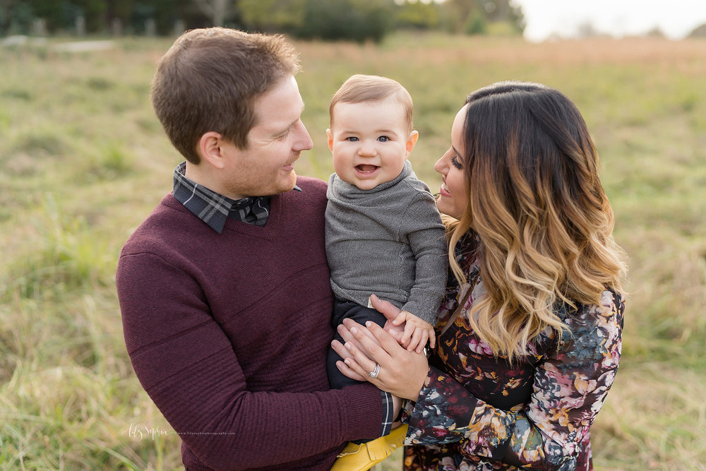 atlanta-midtown-west-end-decatur-lily-sophia-photography-family-photographer-eight-month-baby-boy-sunset-outdoor-field-family-photos_0344.jpg
