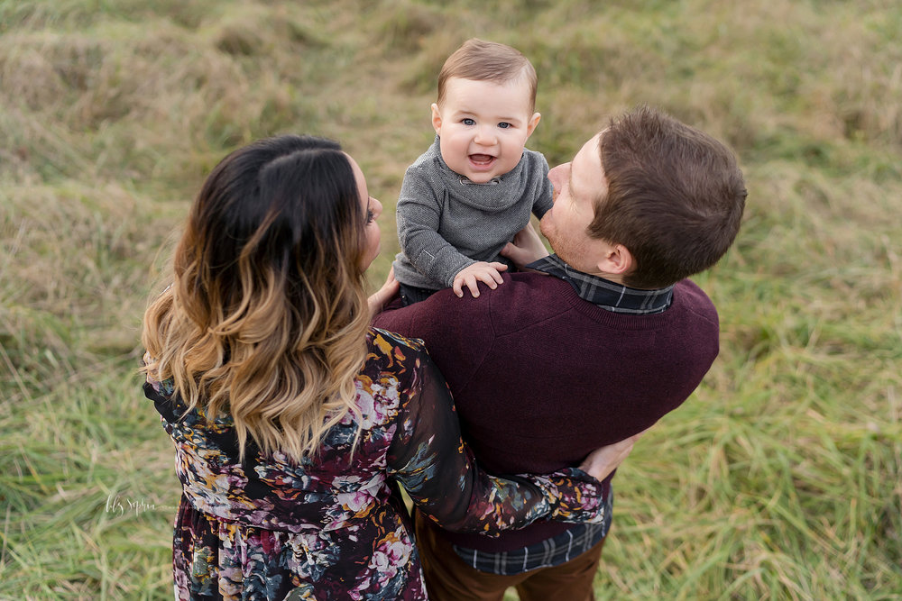 atlanta-midtown-west-end-decatur-lily-sophia-photography-family-photographer-eight-month-baby-boy-sunset-outdoor-field-family-photos_0351.jpg