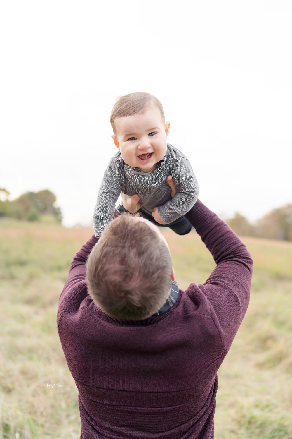 atlanta-midtown-west-end-decatur-lily-sophia-photography-family-photographer-eight-month-baby-boy-sunset-outdoor-field-family-photos_0350.jpg