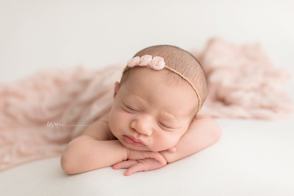 atlanta-midtown-brookhaven-ashford-dunwoody-decatur-lily-sophia-photography-family-photographer-newborn-baby-girl-big-brother-studio-photos_0361.jpg