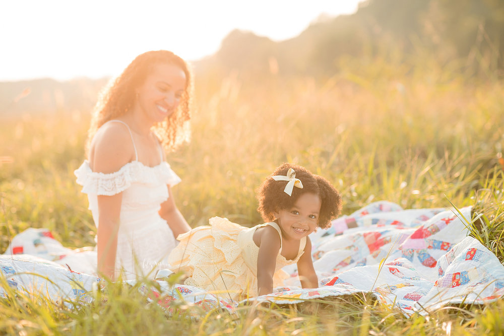 atlanta-midtown-brookhaven-ashford-dunwoody-decatur-lily-sophia-photography-outdoor-sunset-field-mountain-family-photographer-toddler-girl_0400.jpg