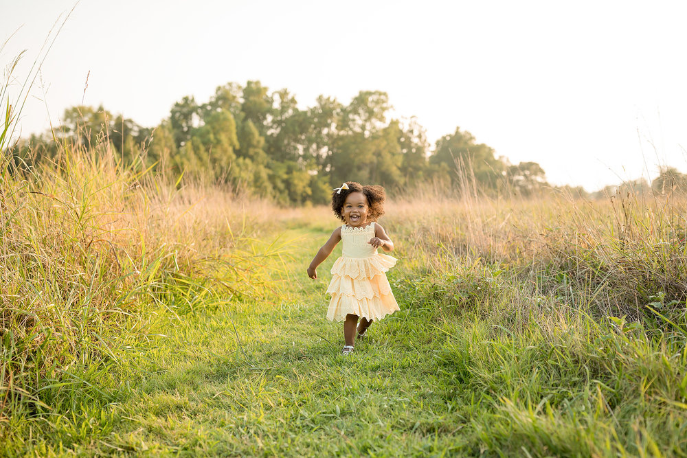 atlanta-midtown-brookhaven-ashford-dunwoody-decatur-lily-sophia-photography-outdoor-sunset-field-mountain-family-photographer-toddler-girl_0404.jpg