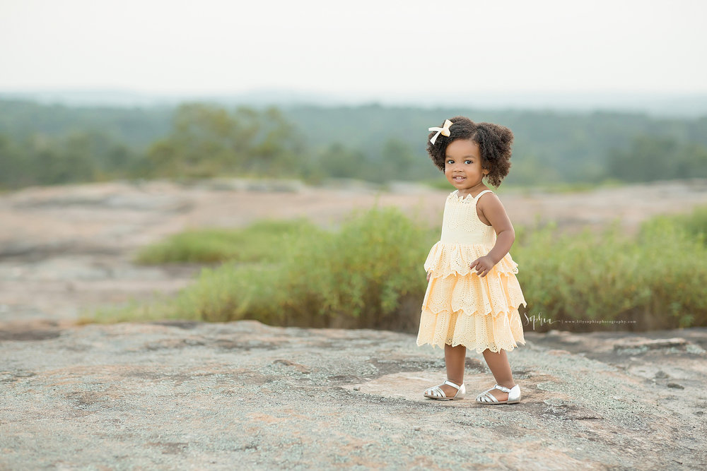 atlanta-midtown-brookhaven-ashford-dunwoody-decatur-lily-sophia-photography-outdoor-sunset-field-mountain-family-photographer-toddler-girl_0412.jpg