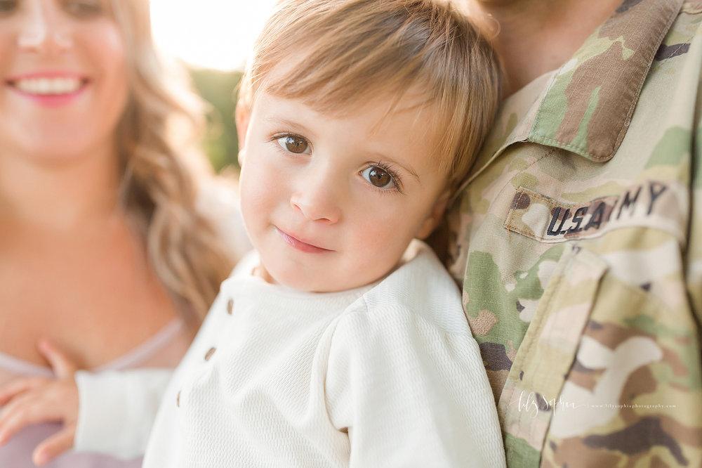 atlanta-midtown-buford-ashford-dunwoody-vinings-alpharetta-lily-sophia-photography-outdoor-sunset-park-session-family-photographer-toddler-boy_0453.jpg