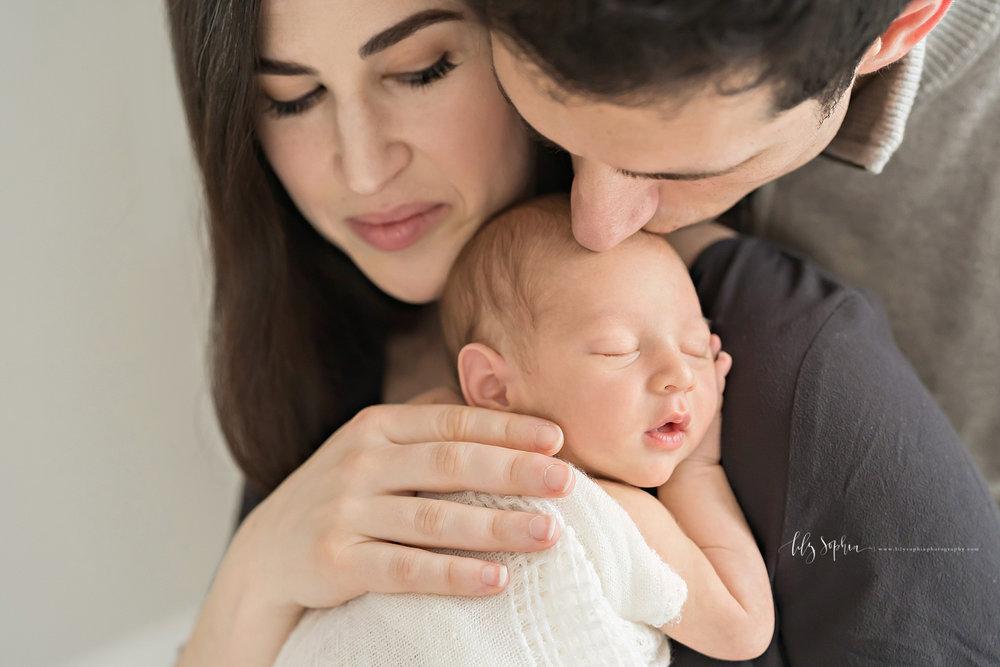 atlanta-midtown-atlantic-station-virginia-highlands-roswell-decatur-lily-sophia-photography-newborn-baby-boy-new-parents-studio-session_0555.jpg