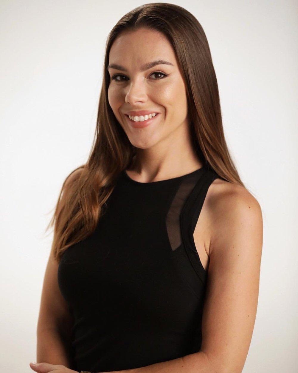 Nicole Stefansic, Lindsay Does Makeup Makeup Artist